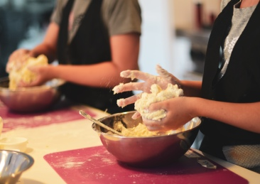 bakeer baker pasta maker